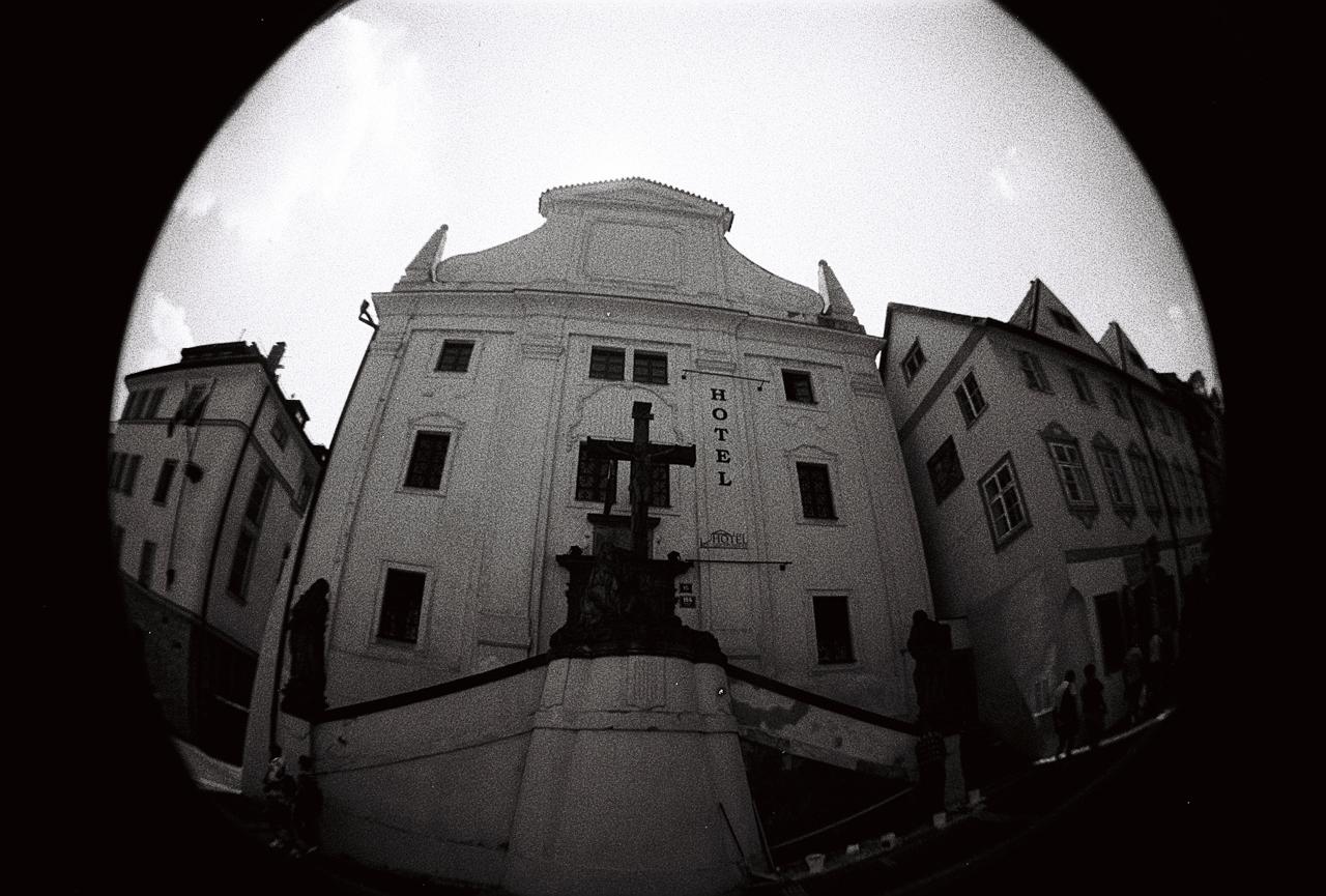 Stará-Praha-s-Lomography-Fisheye-4
