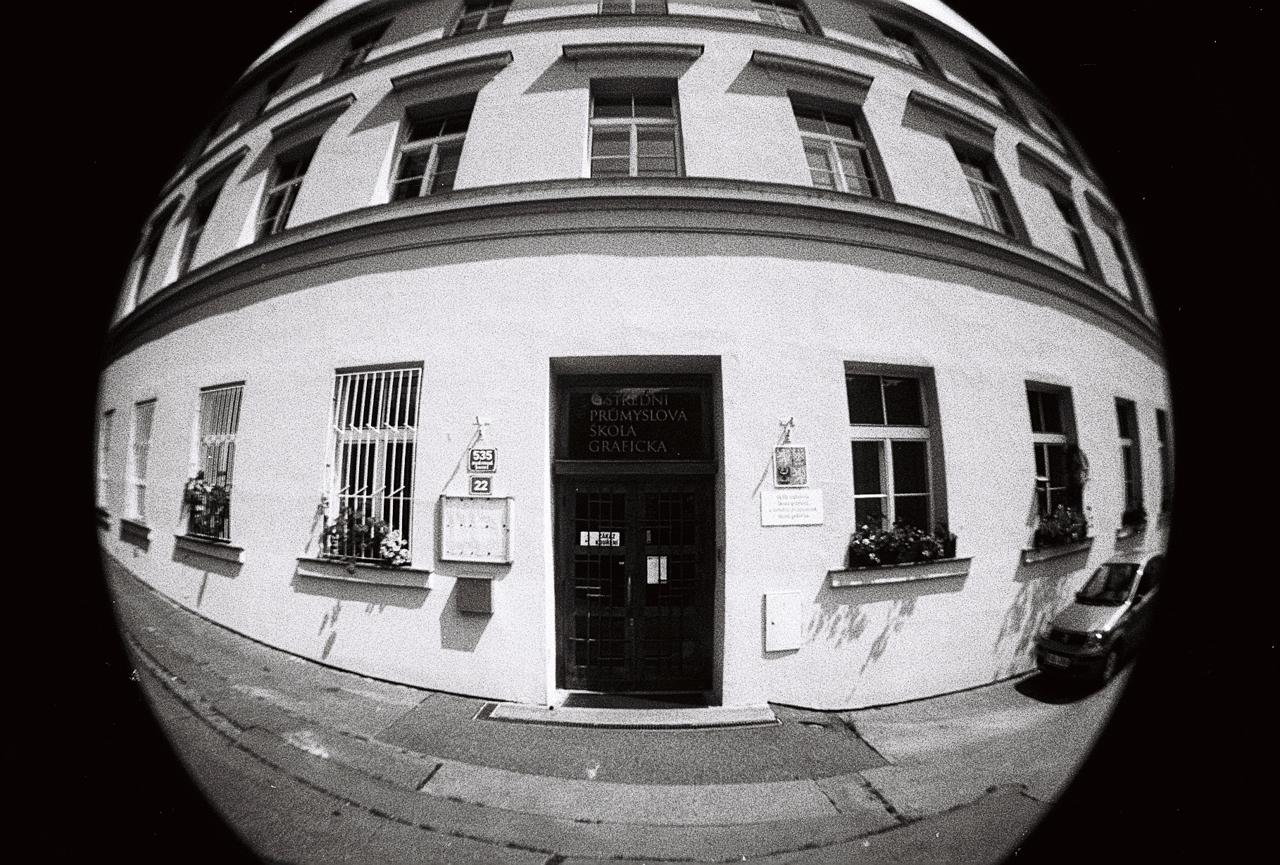 Stará-Praha-s-Lomography-Fisheye-14